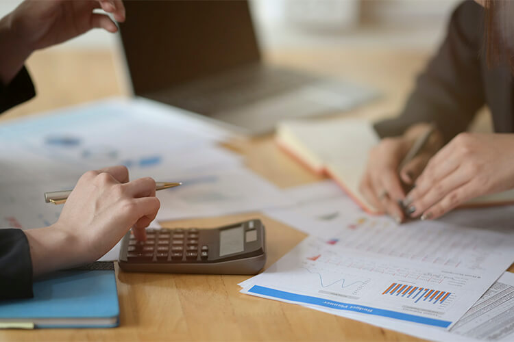 Best Ways to Cut Your Salon Expenses - Hire a CPA